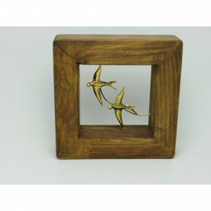 Wall-mounted wooden frame with theme-bird