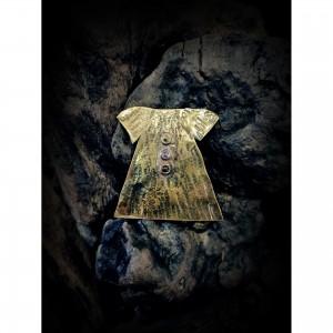 Women's brass brooch with theme - dress jewelry
