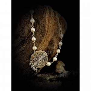 Women's bracelet with silver spiral - with pearls