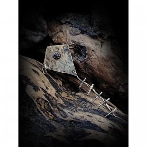 Women's alpaca brooch with the theme - the kite jewelry
