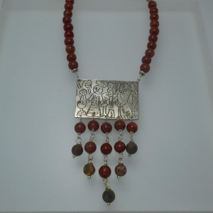 """Silver necklace """"move"""" jewelry"""