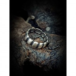Ring wedding ribbed