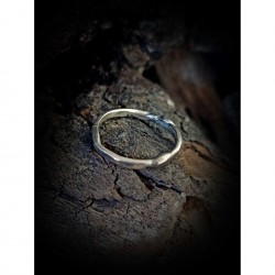 Irregular wedding ring