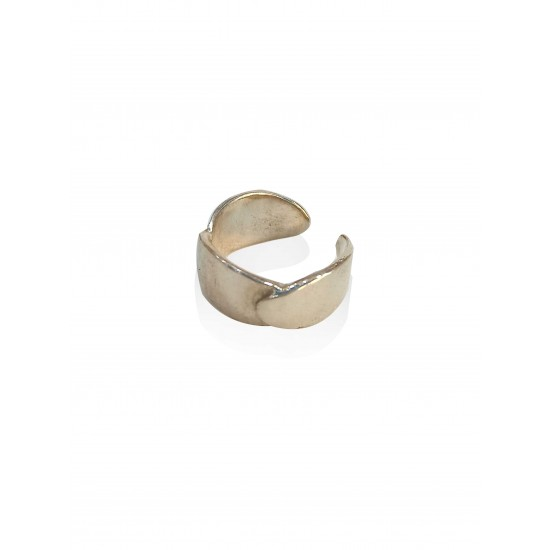 Small oval ring